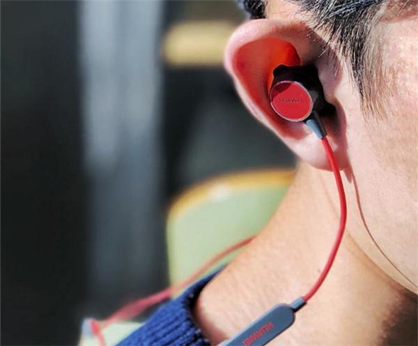 华为心率耳机r1pro怎么使用