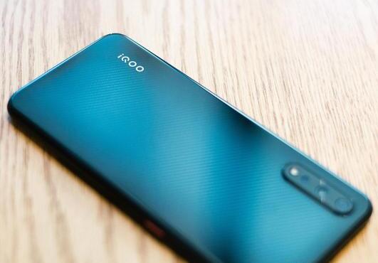 2000左右的手机哪款好?2千元级别的热门手机推荐