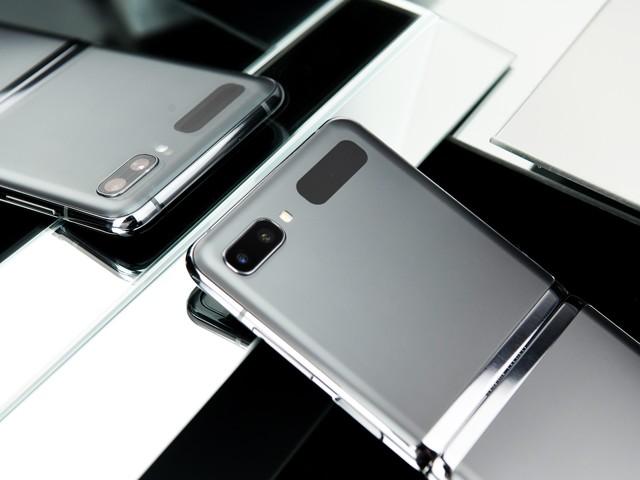 三星折叠屏Z Flip 5G值得买吗? 外观性能拍照全面体验测试
