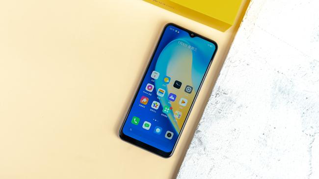999-1999元 2020年值得入手的高性价比5G手机推荐
